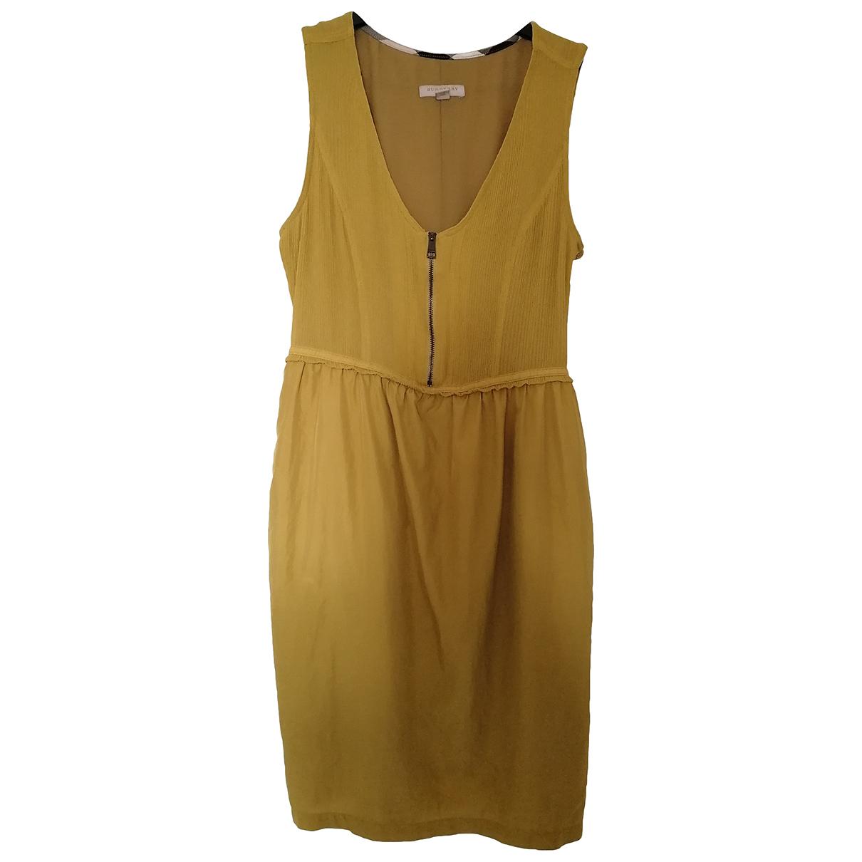 Burberry \N Kleid in  Khaki Seide