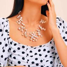 Auffaellige Halskette mit Kunstperlen 1pc