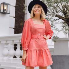 Kleid mit Laternenaermeln, Rueschenbesatz, Schnalle und Guertel