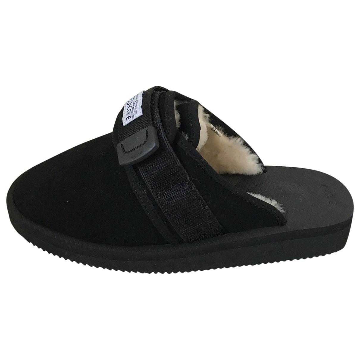 Suicoke \N Sneakers in  Schwarz Veloursleder