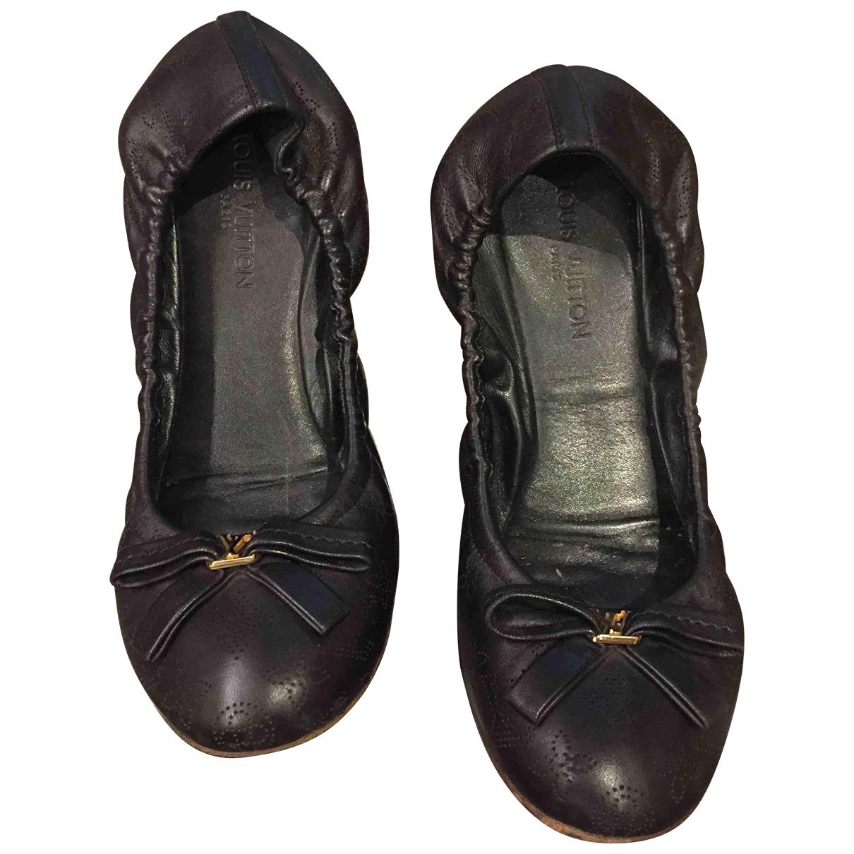 Louis Vuitton \N Ballerinas in  Schwarz Leder