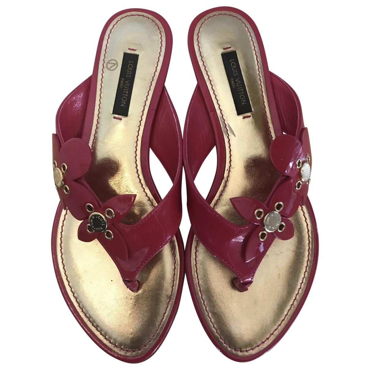 Louis Vuitton \N Sandalen in  Rosa Lackleder