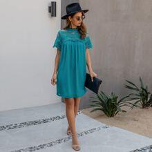 Tunika Kleid mit Stehkragen und Spitzeneinsatz