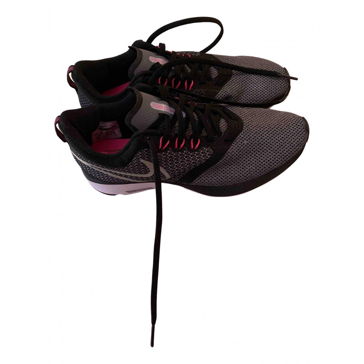 Nike Zoom Black Cloth Trainers for Women 38.5 EU