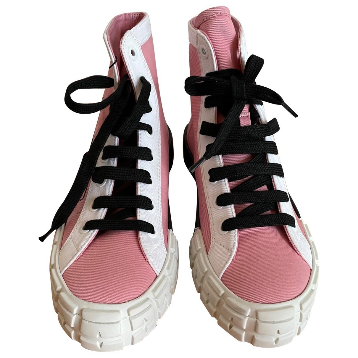 Prada \N Sneakers in  Rosa Leinen