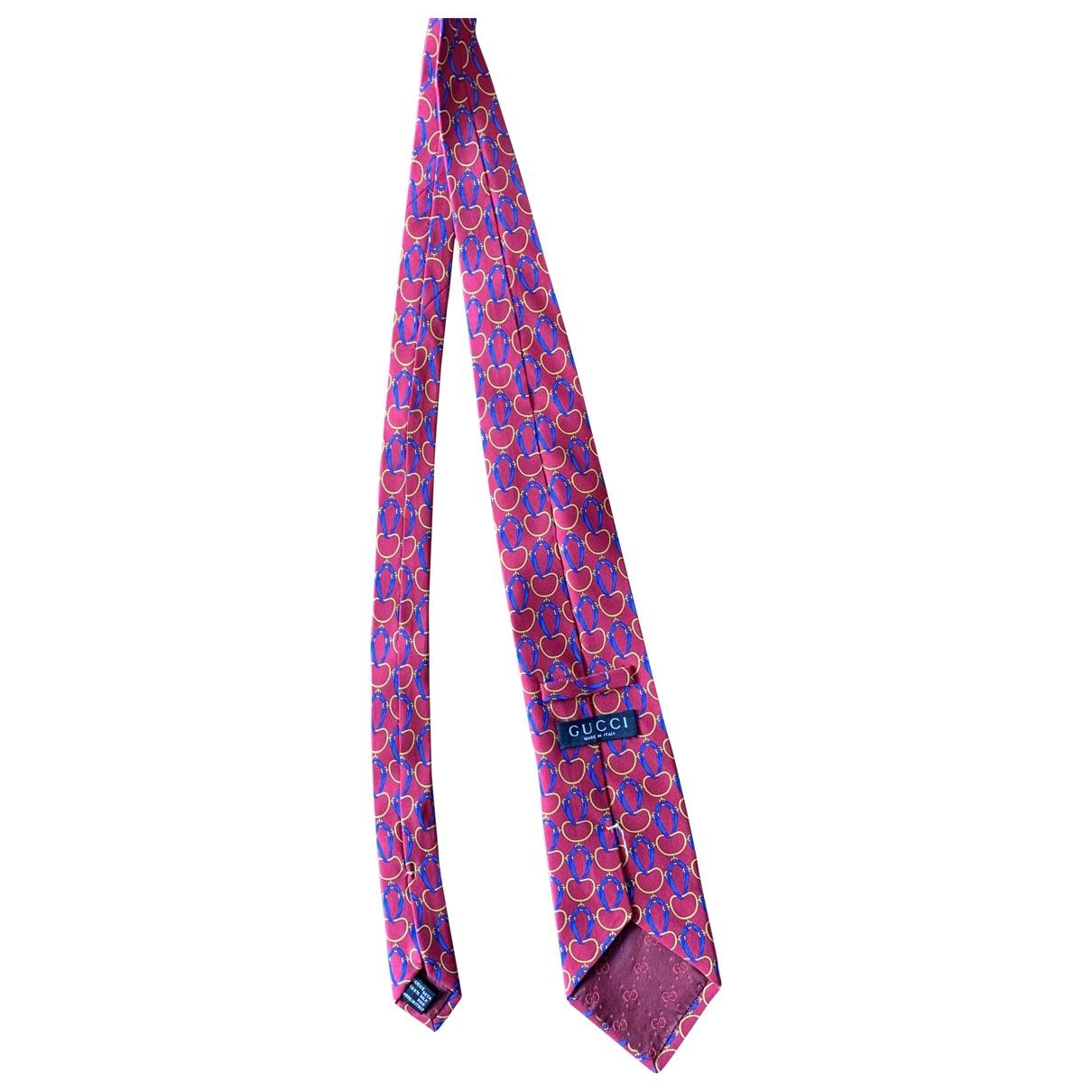 Gucci \N Krawatten in  Rot Seide