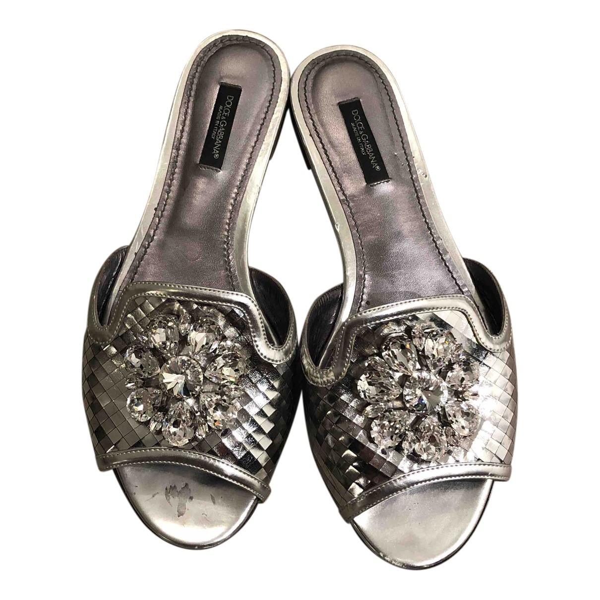 Dolce & Gabbana \N Sandalen in  Silber Lackleder