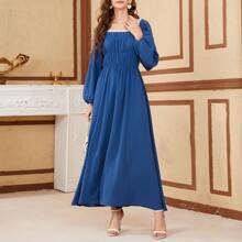 Kleid mit Guipure Spitzenbesatz, Ruesche und Laternenaermeln