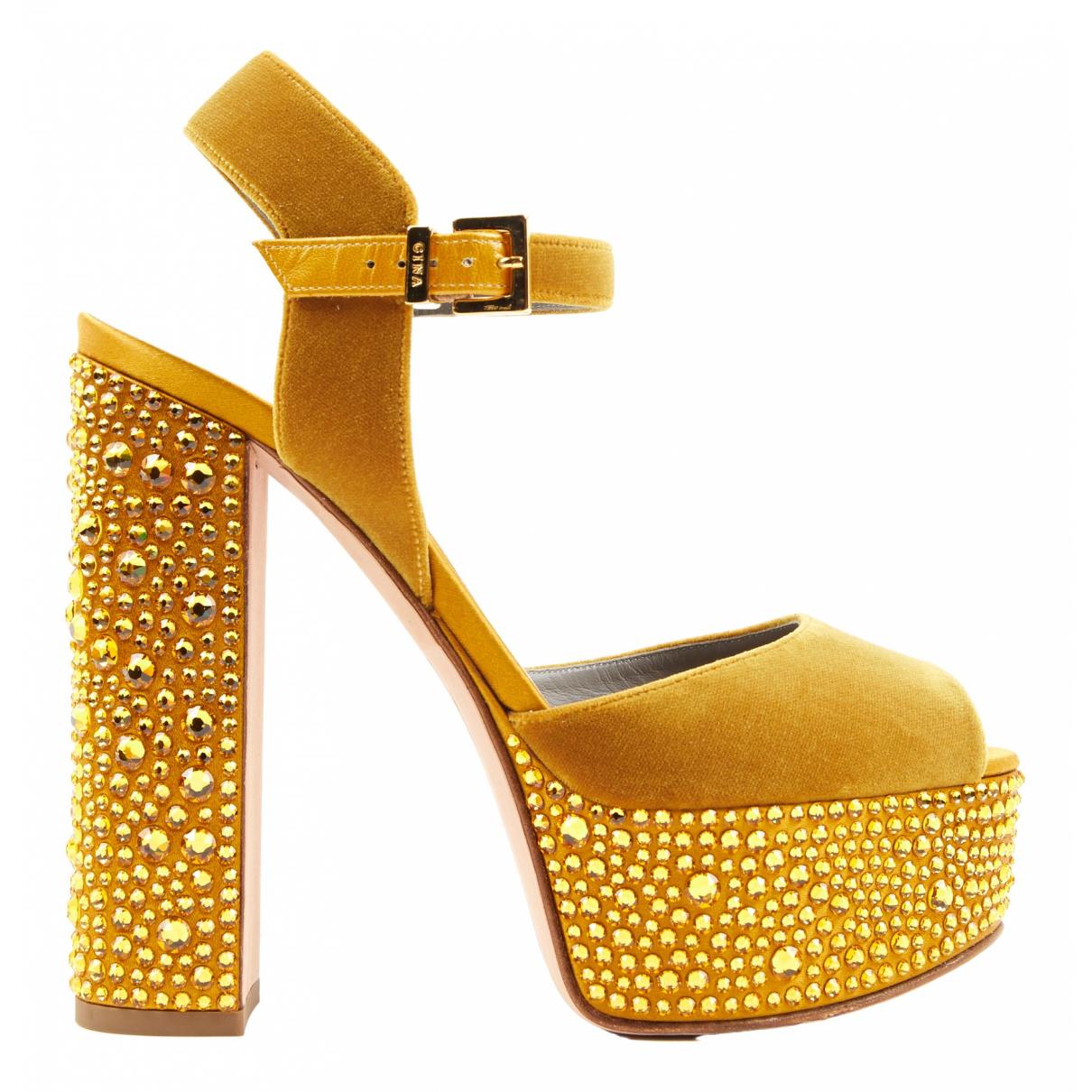 Gina \N Sandalen in  Gelb Samt