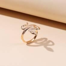 Ring mit Serpentin Design