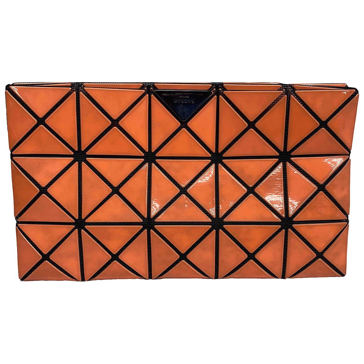 Issey Miyake \N Clutch in  Orange Kunststoff