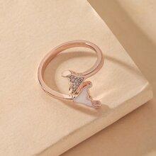 Ring mit Fischschwanz Dekor