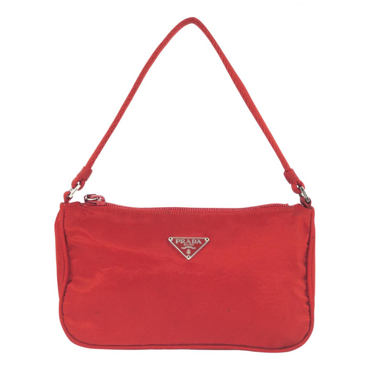 Prada Tessuto  Handtasche in  Rot Synthetik