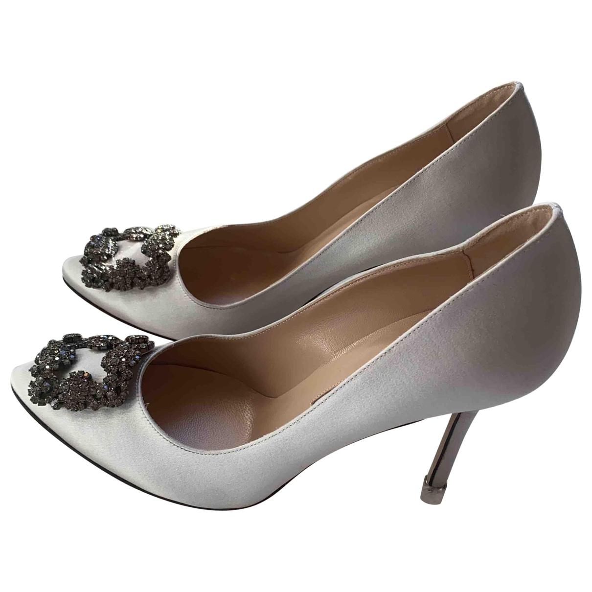Manolo Blahnik Hangisi Silver Cloth Heels for Women 39 EU