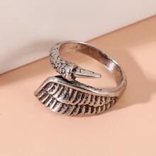 Ring mit Fluegel Design