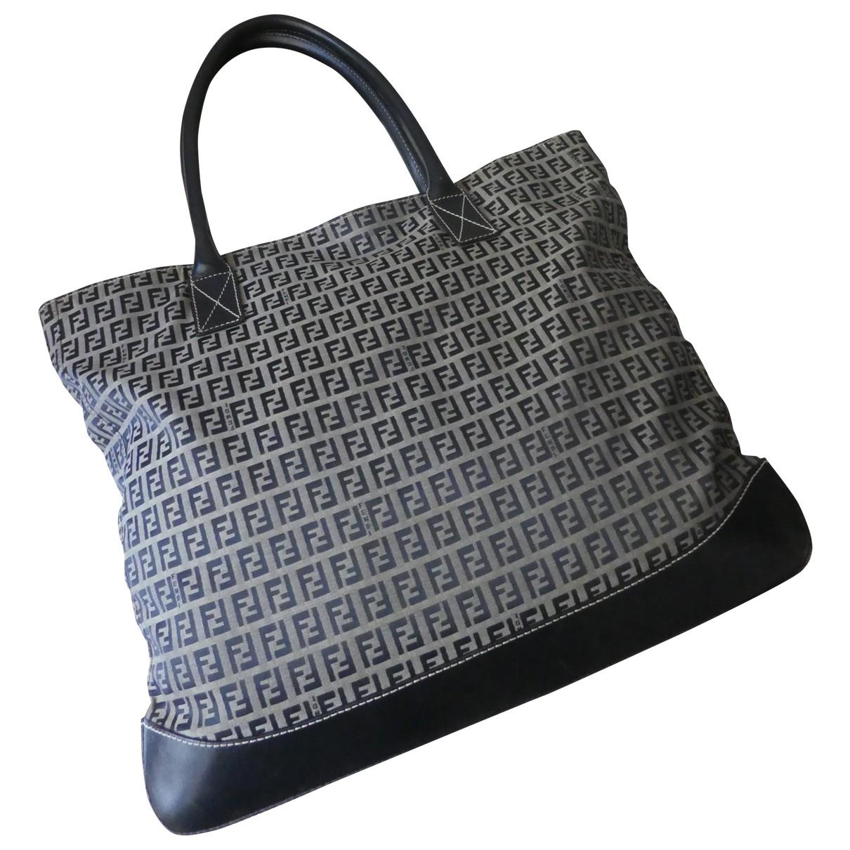 Fendi \N Handtasche in  Blau Leinen