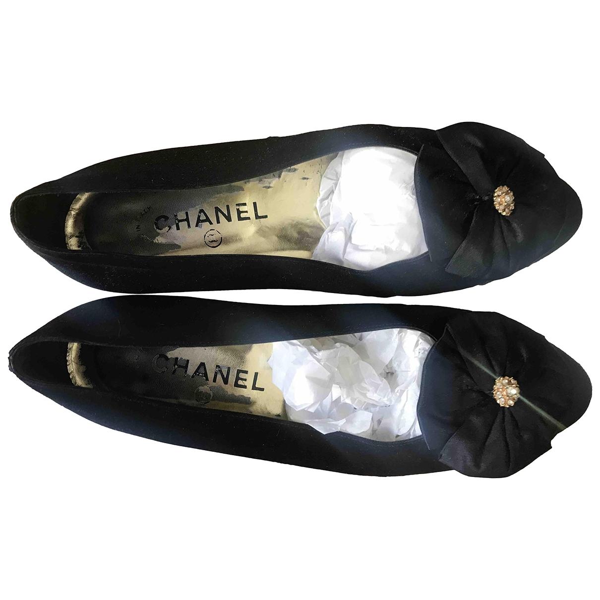 Chanel \N Ballerinas in  Schwarz Leinen
