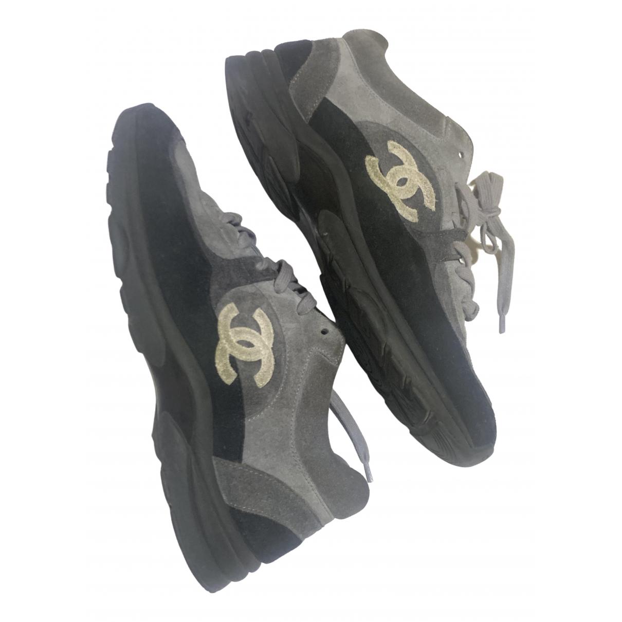 Chanel - Baskets   pour homme en suede - gris