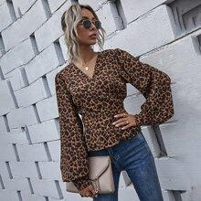 Bluse mit Bischofaermeln, Leopard Muster und Band hinten