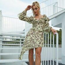 Eilly Bazar Kleid mit Rueschenbesatz und asymmetrischem Saum