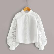 Maedchen Bluse mit Stickereien und Netzstoff Laternenaermeln