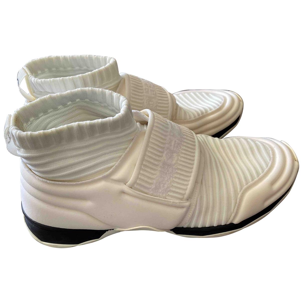 Chanel - Baskets   pour femme en toile - blanc