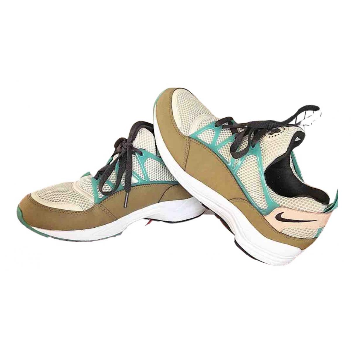 Deportivas Huarache de Cuero Nike