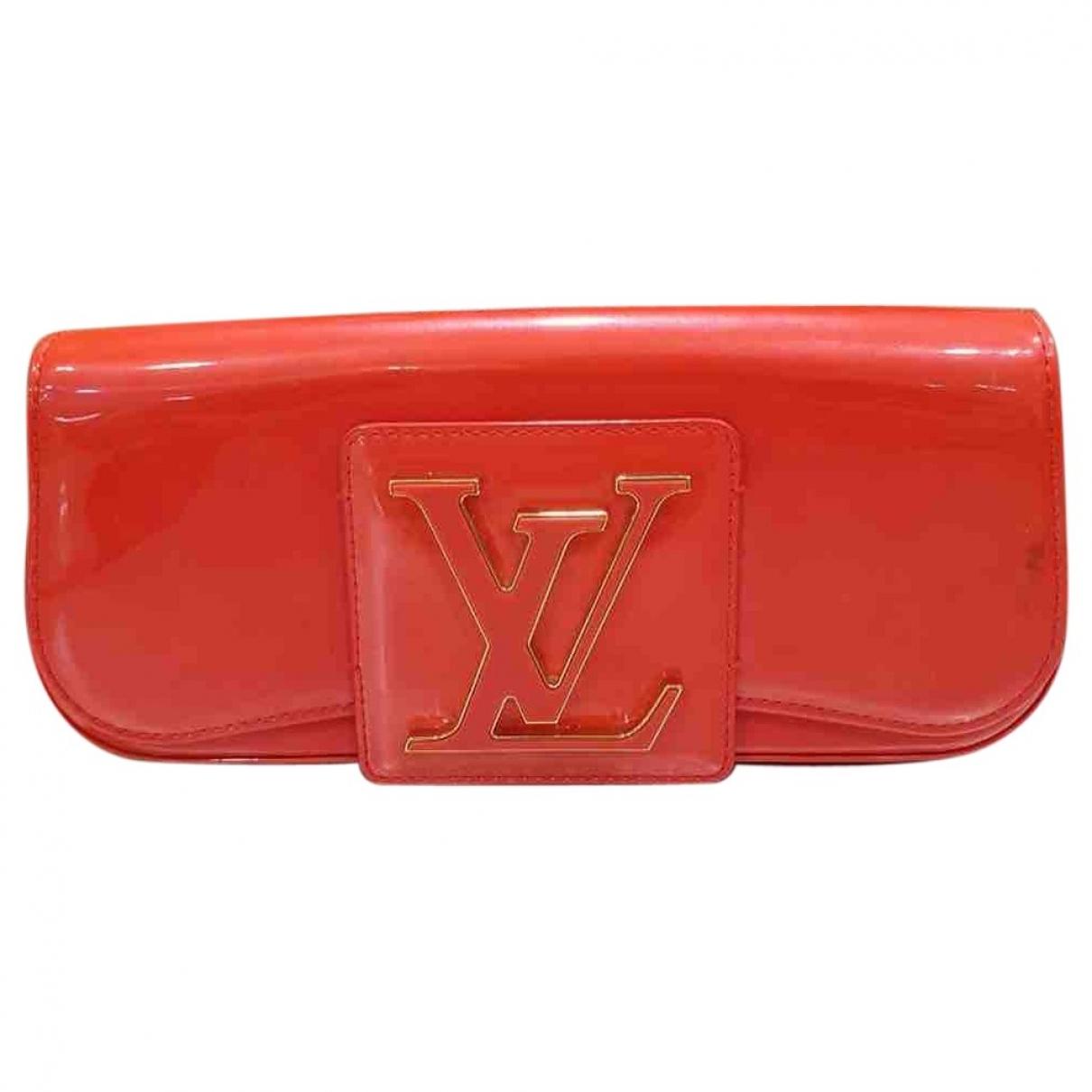 Louis Vuitton Sobe Clutch in  Orange Lackleder