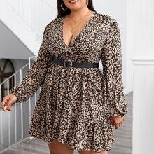 Kleid mit Muster und V Ausschnitt ohne Guertel