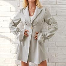 Einreihiges Blazer Kleid mit Schosschenaermeln und Falten