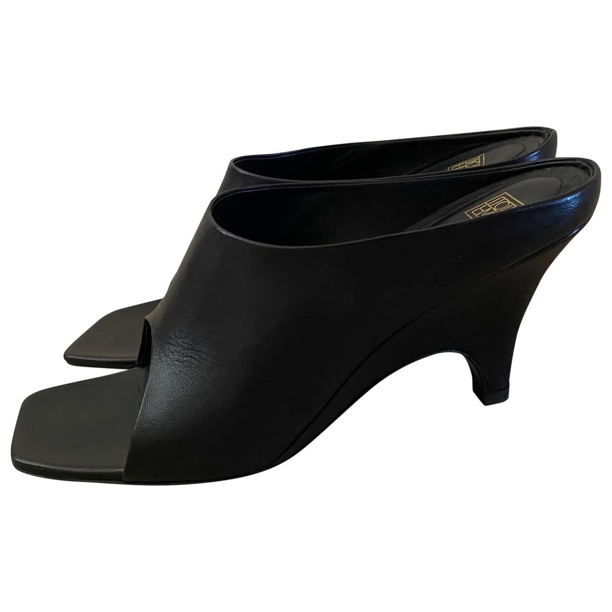Totême Open Toe Mule Black Leather Sandals for Women 38 EU
