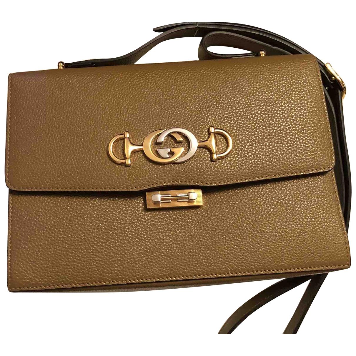 Gucci Zumi Handtasche in  Braun Leder