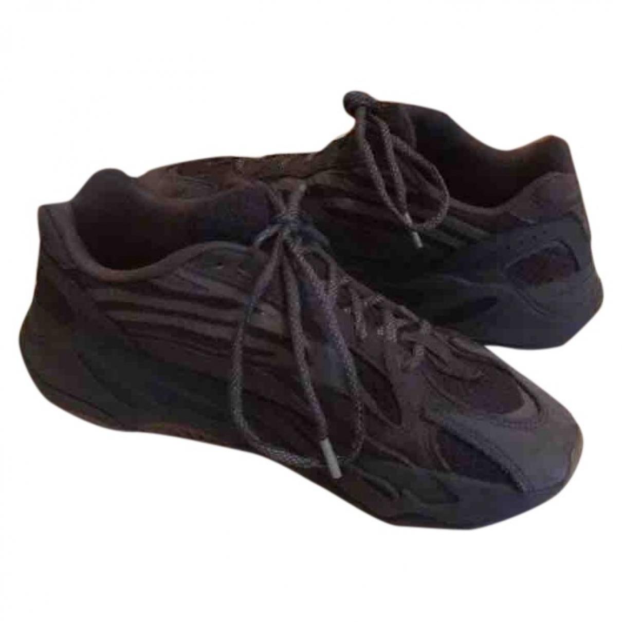 Yeezy X Adidas - Baskets Boost 700 V2 pour homme en suede - noir
