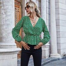 Bluse mit Bluemchen Muster, Ruesche, Wickel Design und Schosschen
