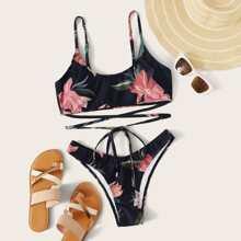 Bikini mit Blumen Muster, Wickel Design und hohem Ausschnitt