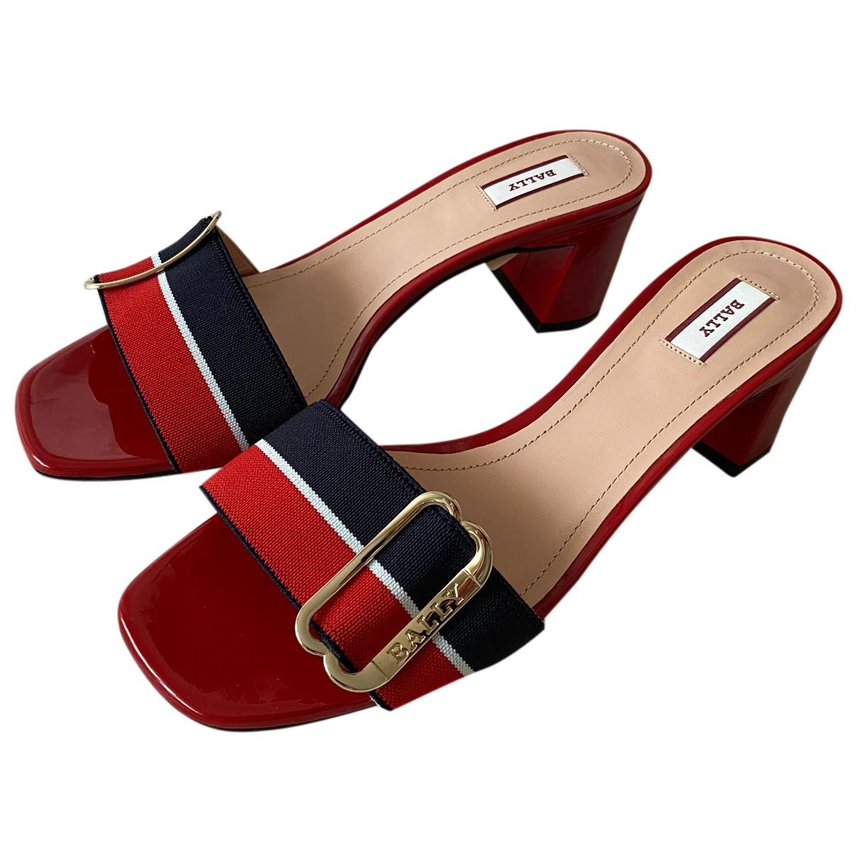 Bally \N Sandalen in  Rot Lackleder