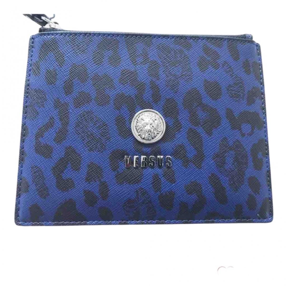 Versace \N Clutch in  Blau Leder