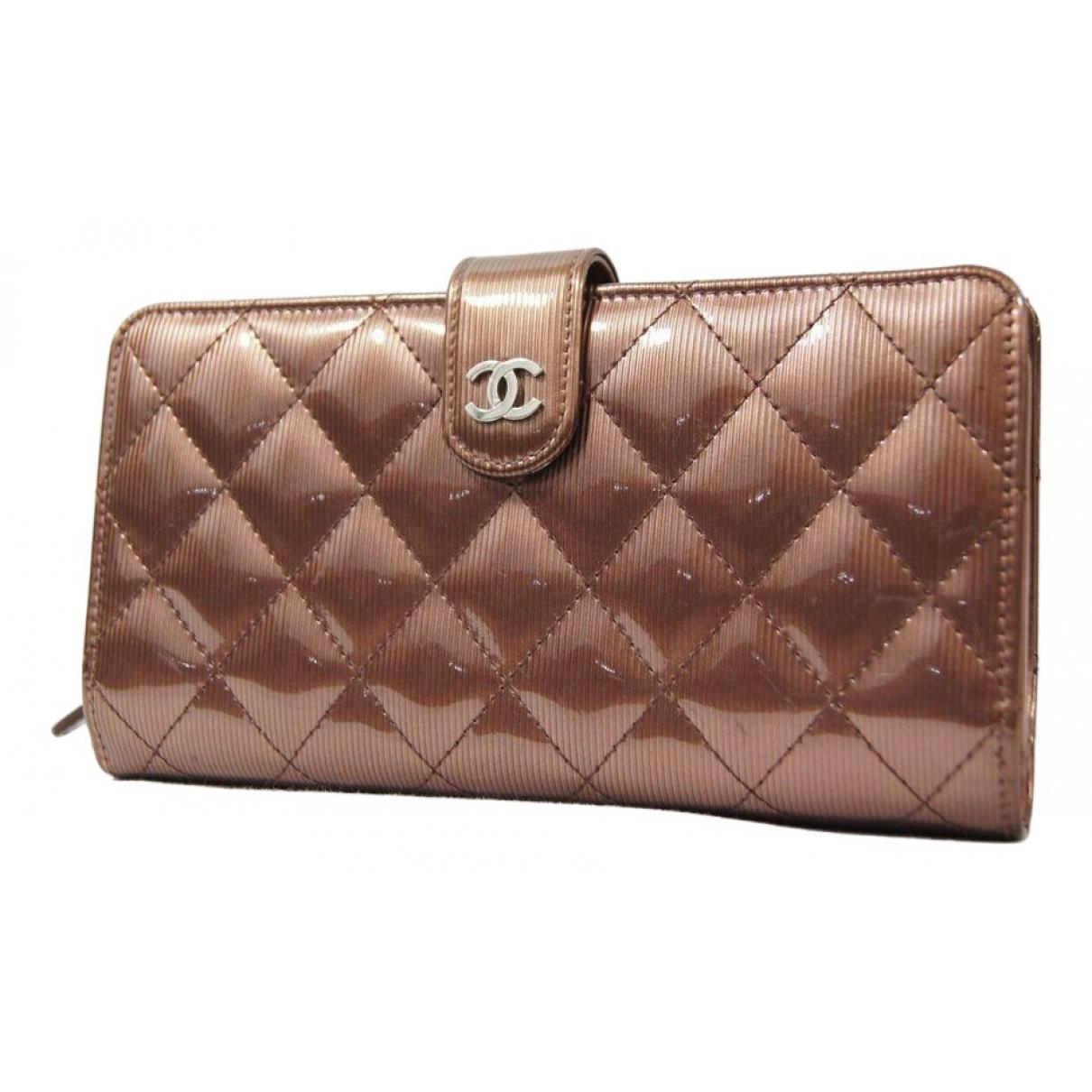 Chanel - Portefeuille   pour femme en cuir verni - marron