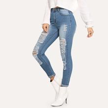 Zerrissene Jeans mit Riemendeign