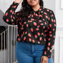 Bluse mit Erdbeere Muster und Halsband