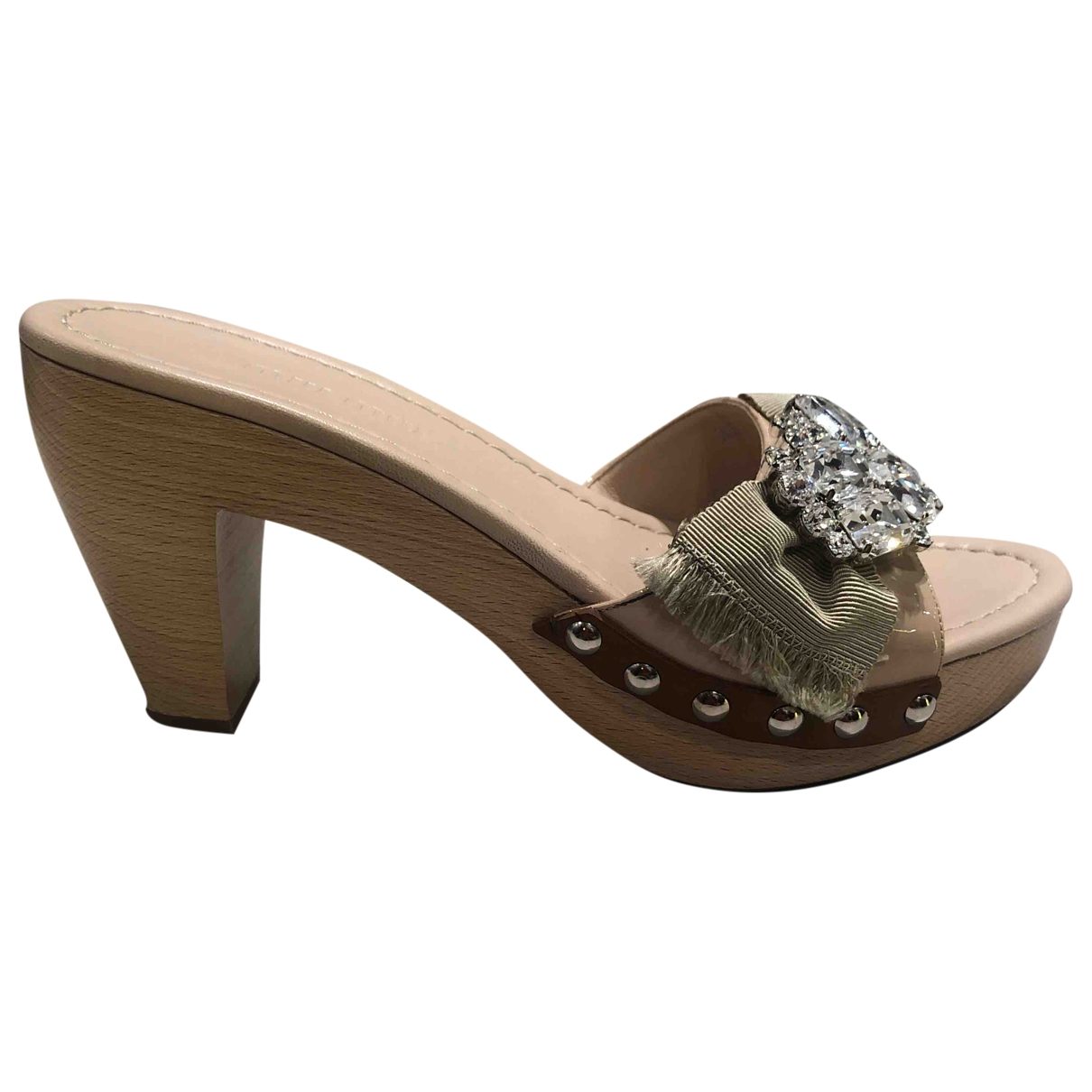Miu Miu \N Clogs in  Beige Lackleder