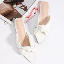 Sandalias anchas con nudo
