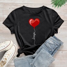 Camiseta de cuello redondo con estampado de corazon y slogan