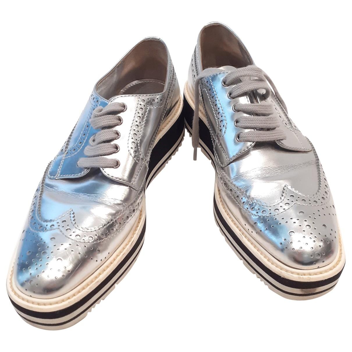 Prada \N Schnuerschuhe in  Silber Lackleder