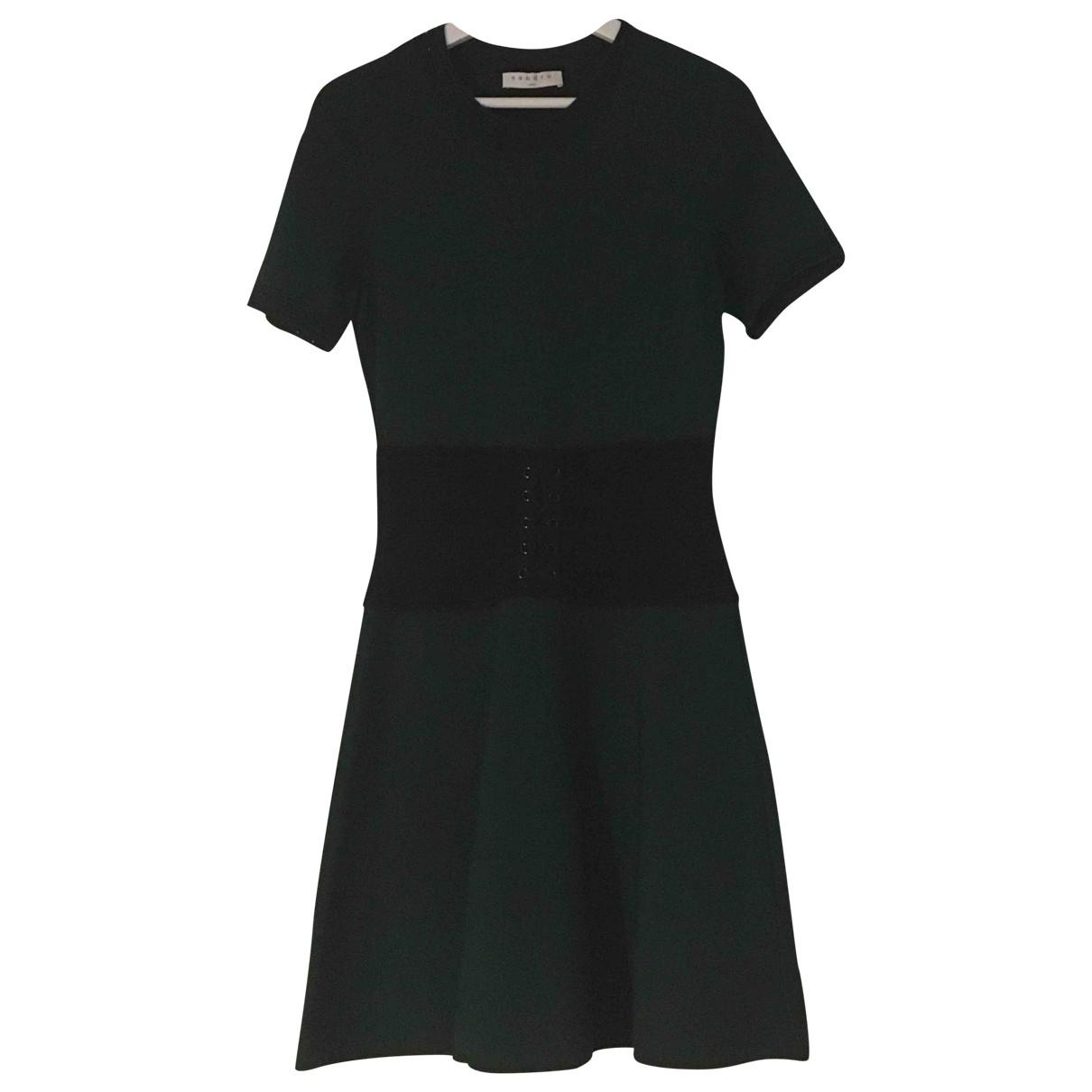 Sandro \N Kleid in  Gruen Synthetik