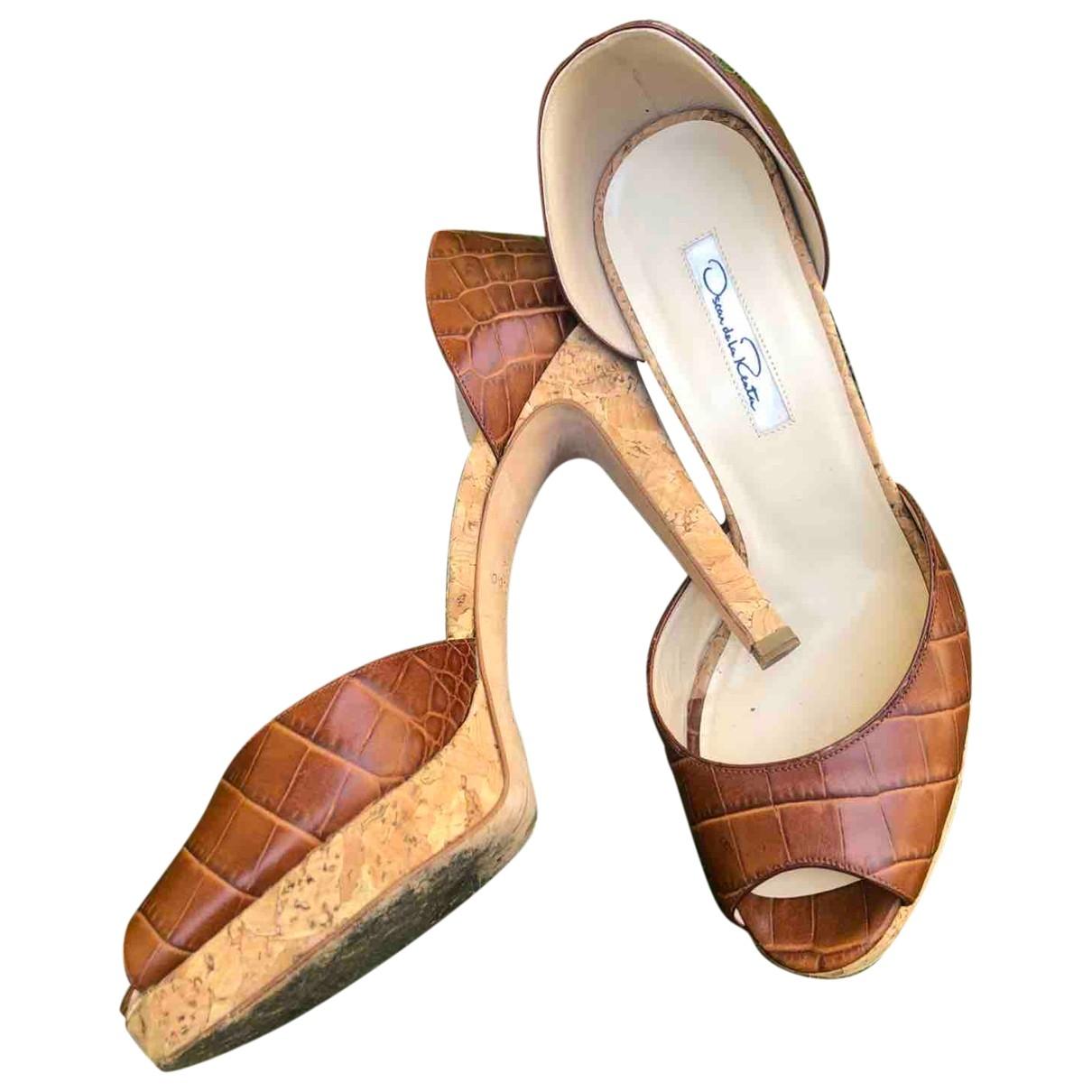 Oscar De La Renta \N Camel Crocodile Heels for Women 37.5 EU