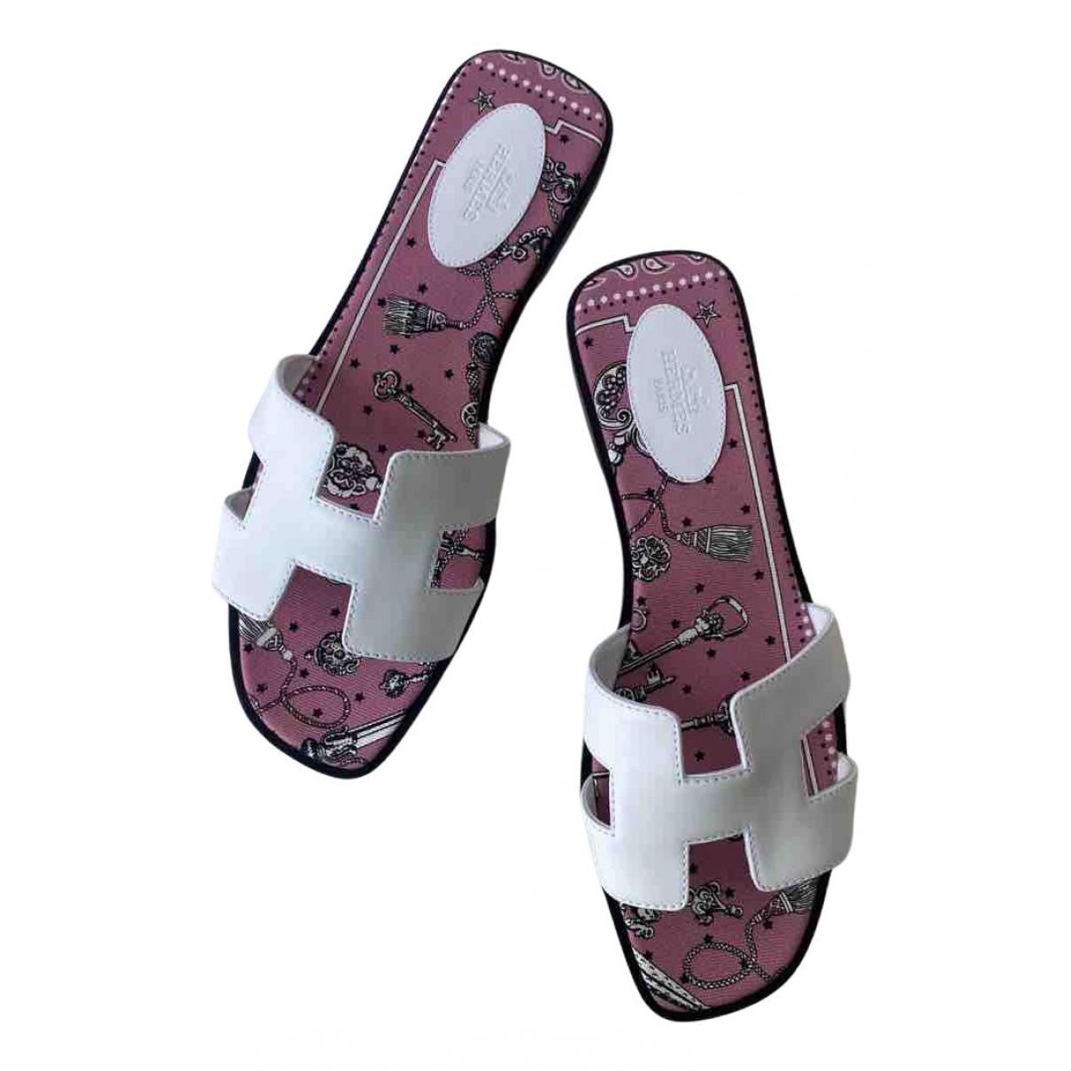 Hermès Oran White Leather Sandals for Women 40 EU