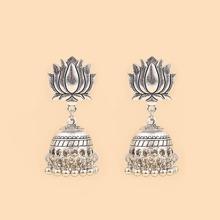 Ohrringe mit Lotus Design