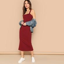 Geripptes Midi Kleid mit dickem Riemen und Schlitz hinten