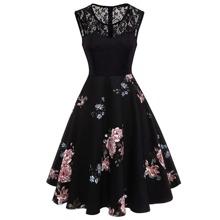 Kleid mit Spitzen und Blumen Muster